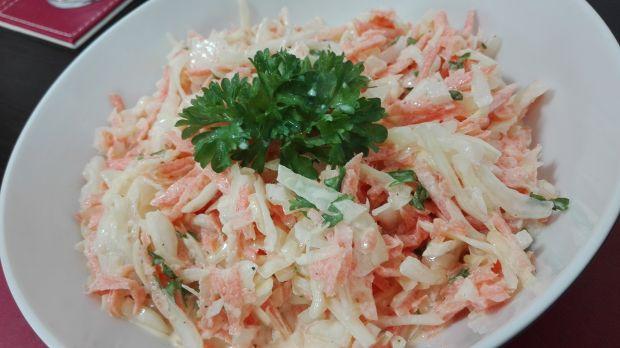 Klasyczna i kremowa surówka coleslaw