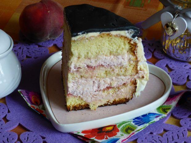 Klasyczny tort truskawkowy