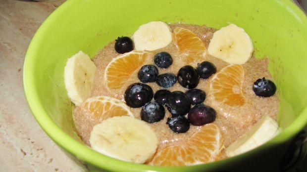 Kleik z siemienia lnianego z owocami