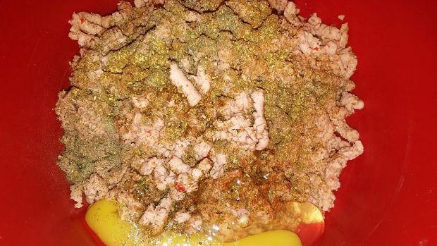 Klopiski z mortadeli w sosie serowym