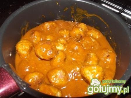 Klopsiki mielone w sosie curry