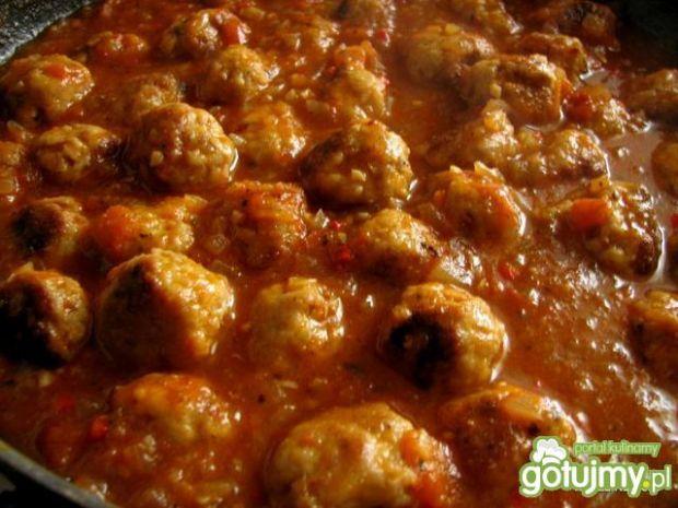 Klopsiki w sosie ze świeżymi pomidorami