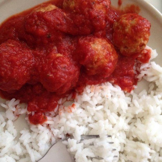 Klopsy w sosie pomidorowym