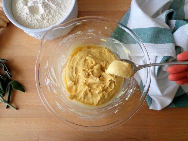 Kluseczki z mąki z ciecierzycy