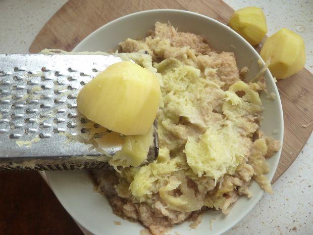 Kluski ziemniaczane z kiełbasą i twarogiem