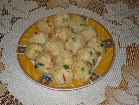 Knedle ryżowe z papryką