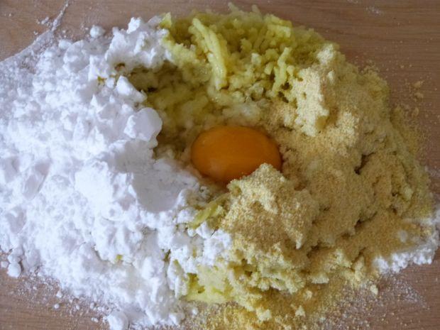 Knedle z mąki kukurydzianej