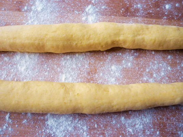 Knedle ziemniaczano-dyniowe z bakaliami i śliwkami