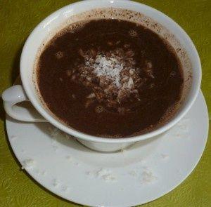 Kokosowa goraca czekolada