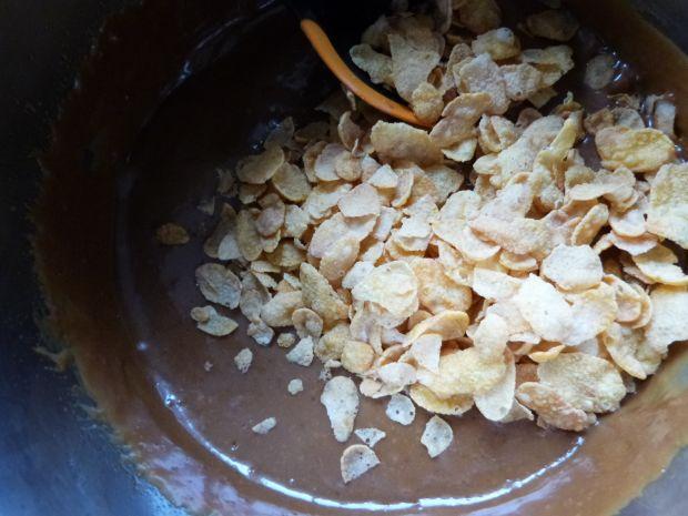 Kokosowe kulki z płatków kukurydzianych