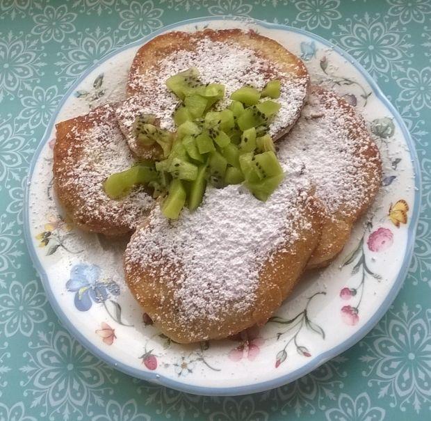 Kokosowe placuszki na kaszy mannie z kiwi