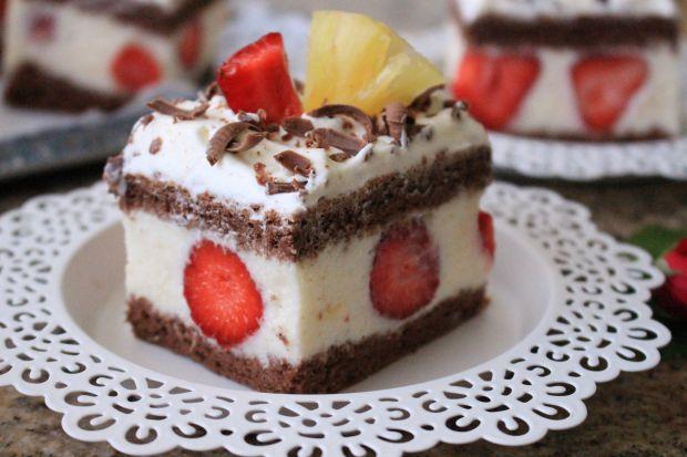 Kokosowo-ananasowo- truskawkowe ciasto
