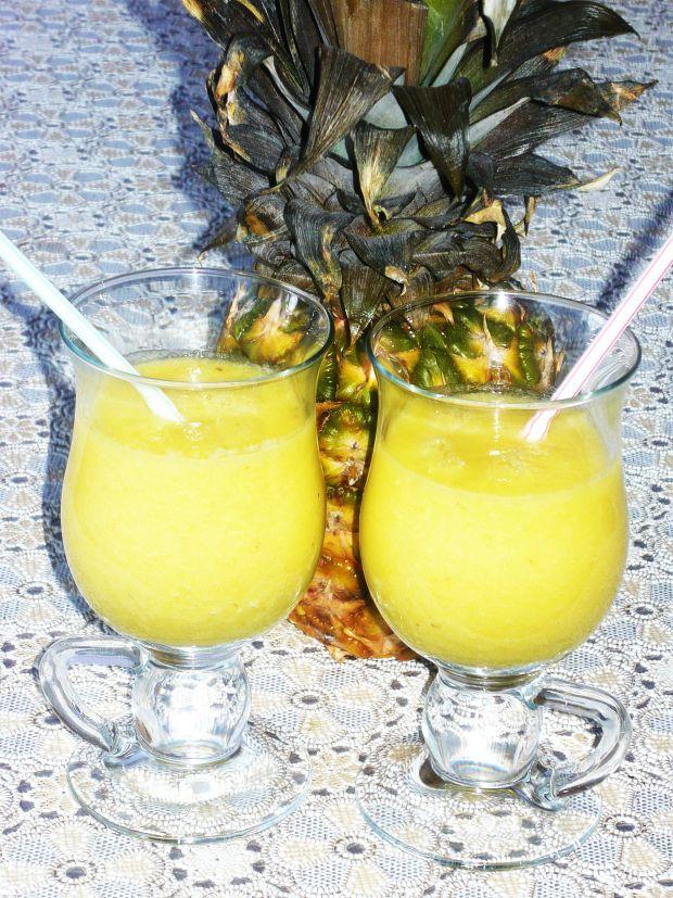 Koktajl ananasowo bananowy