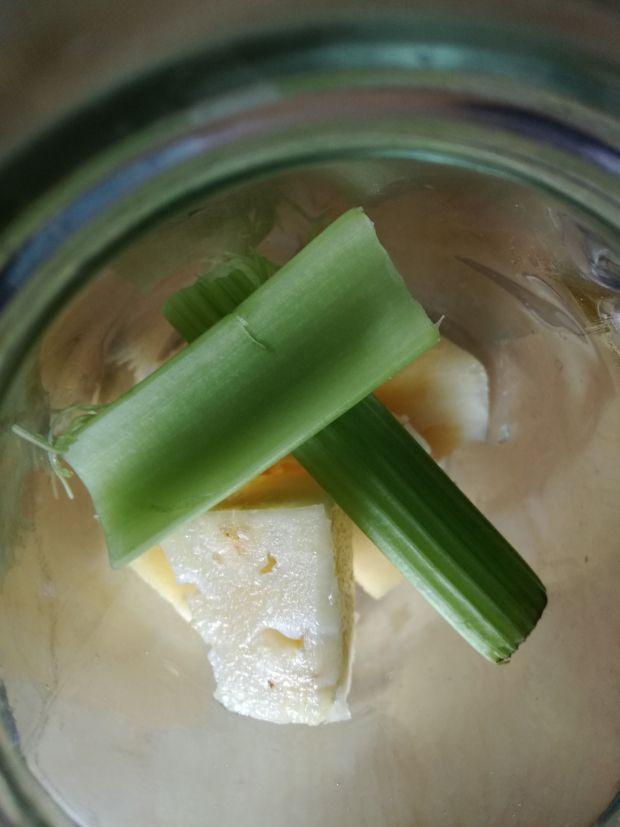 Koktajl ananasowo-selerowy