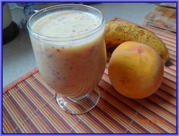 Koktajl bananowo-brzoskwiniowy z siemieniem