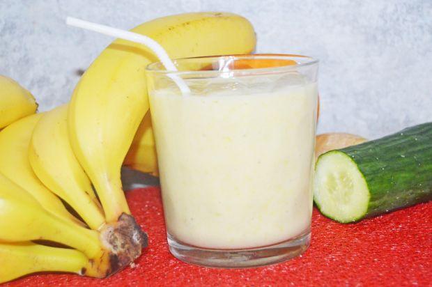 Koktajl jogurtowy owocowo-warzywny
