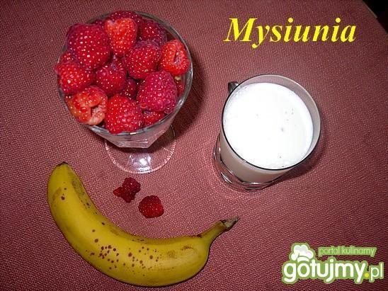 Koktajl malinowo-bananowy z otrębami