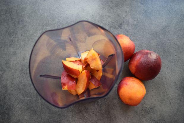 Koktajl nektarynkowo-pietruszkowy na maślance