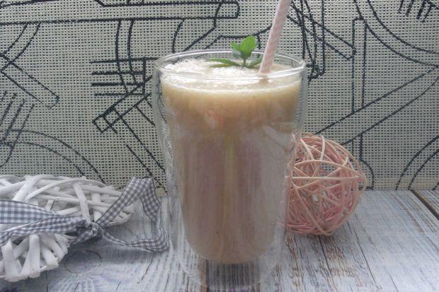 Koktajl owocowo-herbaciany