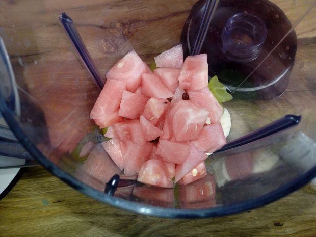 Koktajl owocowy na soku pomarańczowym