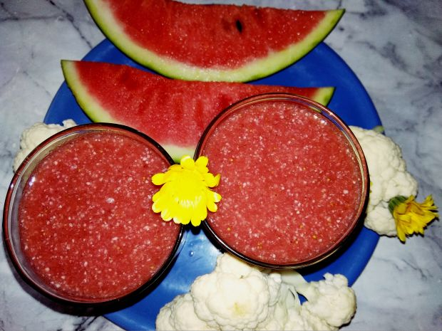 Koktajl truskawkowo, arbuzowo, kalafiorowy.