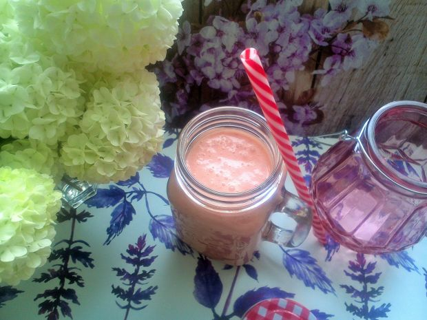 Koktajl truskawkowo-arbuzowy