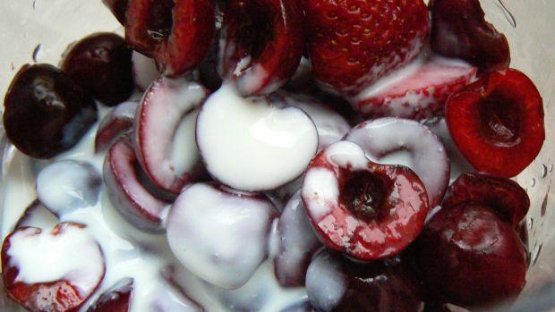Koktajl truskawkowo czereśniowy