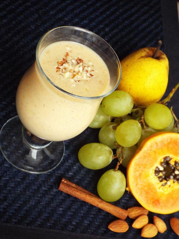 Koktajl wieloowocowy z mlekiem kokosowym