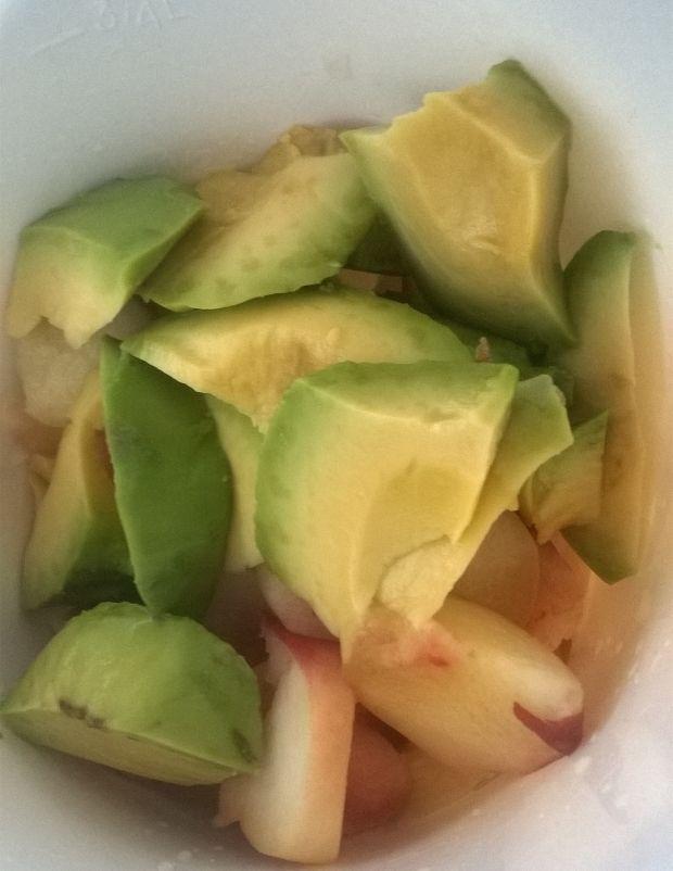 Koktajl z awokado, brzoskwini, banana