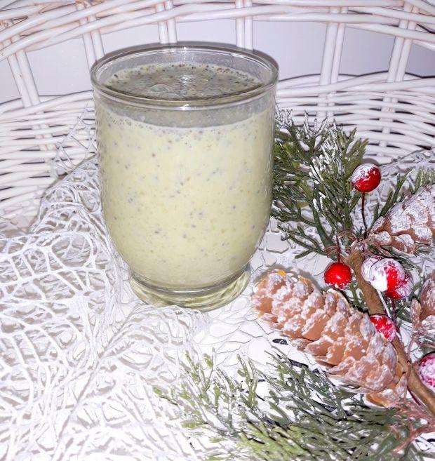 Koktajl z zieloną herbatą matcha i nasionami chia