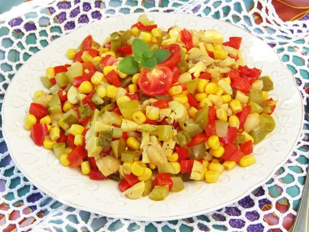 Kolorowa sałatka bez majonezu