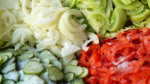 Kolorowa sałatka na zimę