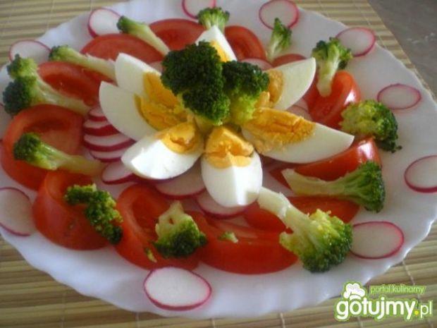 Kolorowa sałatka z brokułem wg Mychy