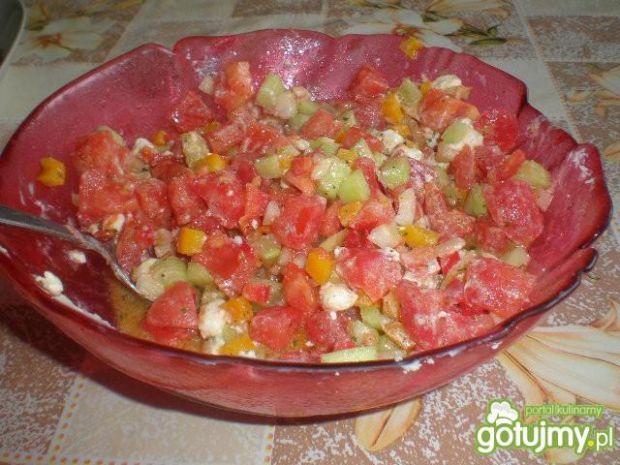 Kolorowa sałatka z fetą