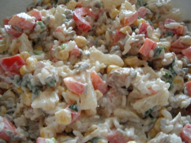 Kolorowa Salatka Z Kurczakiem I Ryzem
