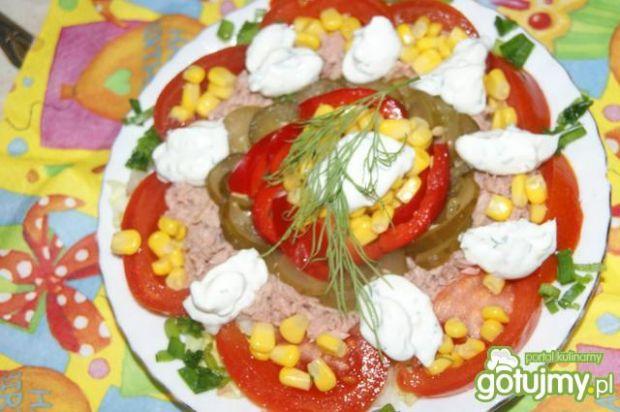 Kolorowa sałatka z tuńczykiem 5