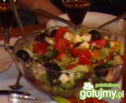 Kolorowa sałatka z winogronem