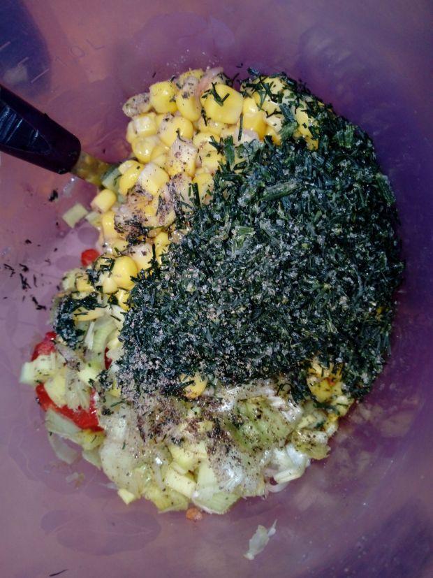 Kolorowa surówka z kapusty kiszonej