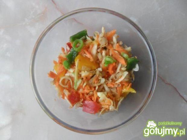 Kolorowa surówka z papryki i marchewki