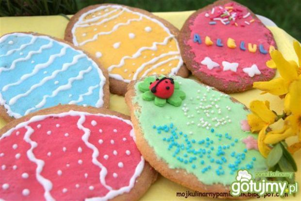 Kolorowe ciastka pisanki