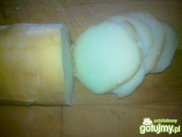 Kolorowy tost z pieczarką