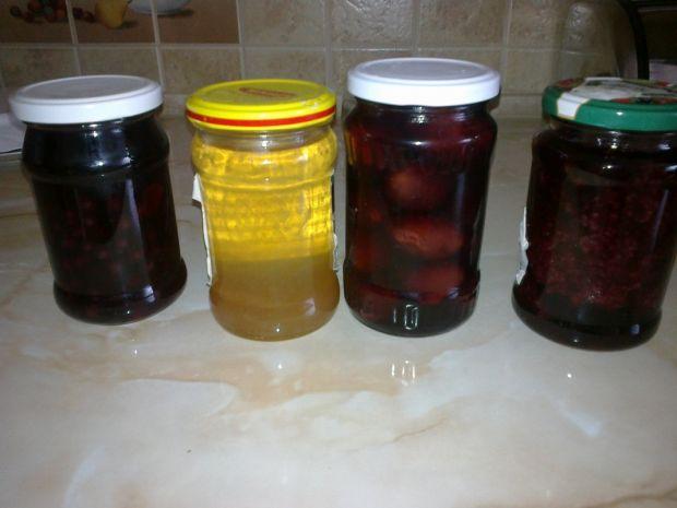 Kompot 4 smaki- jabłko, śliwka, porzeczka i malina