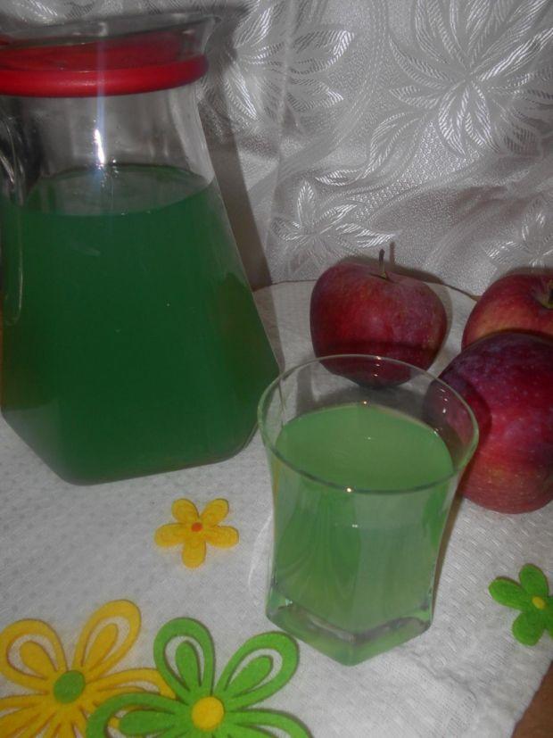 Kompot winogronowy z jabłkami i miętą
