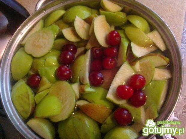 Kompot wiśniowo jabłkowy
