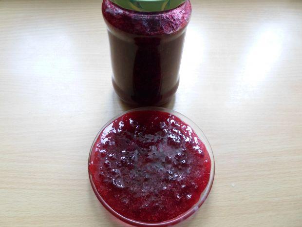 Konfitura z czerwonych borówek