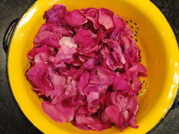Konfitura z płatków róży