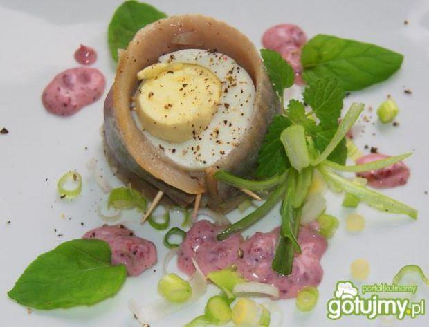 Koreczki  śledziowe z jajkiem