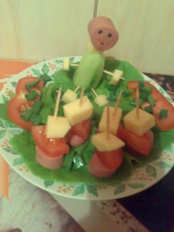 Koreczki warzywno parówkowe