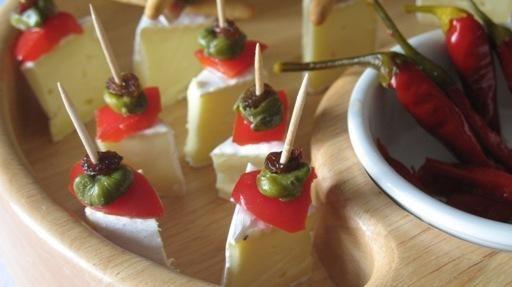 Koreczki z sera brie