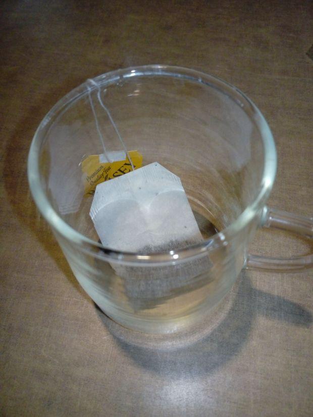 Korzenna herbata mleczna o smaku migdałowym